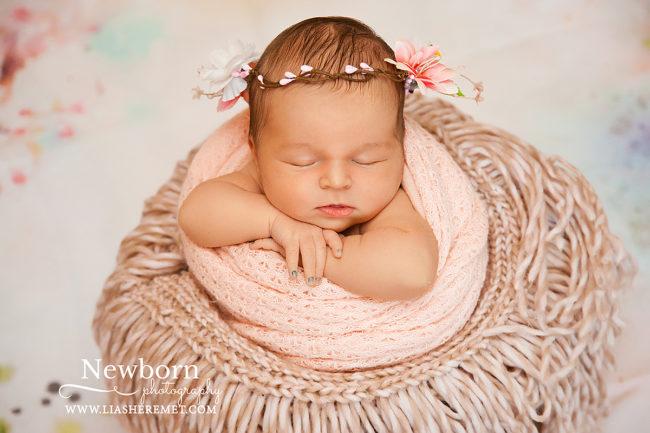 Фотограф новорожденный Лия Шеремет