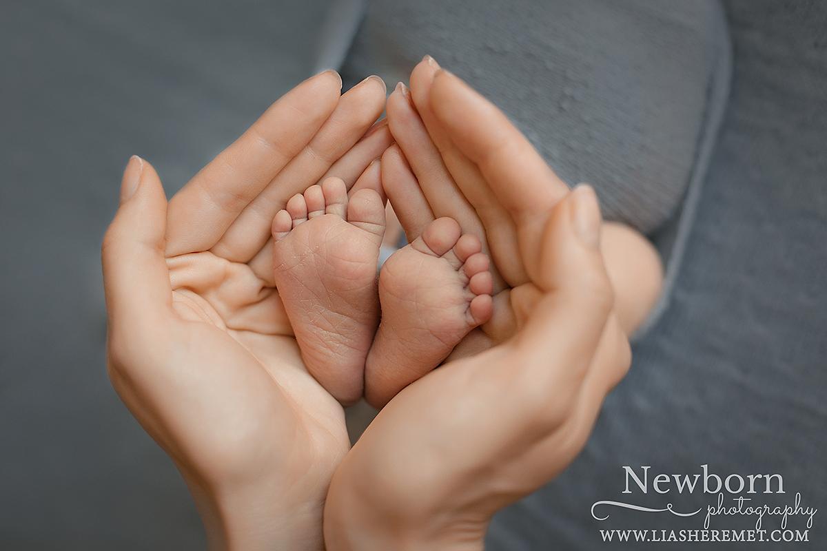 Новорожденный , Фотограф новорожденных в Санкт-Петербурге. Домашние фотосессии. Детские книги ручной работы. Конверты для новорожденных. Лия Шеремет